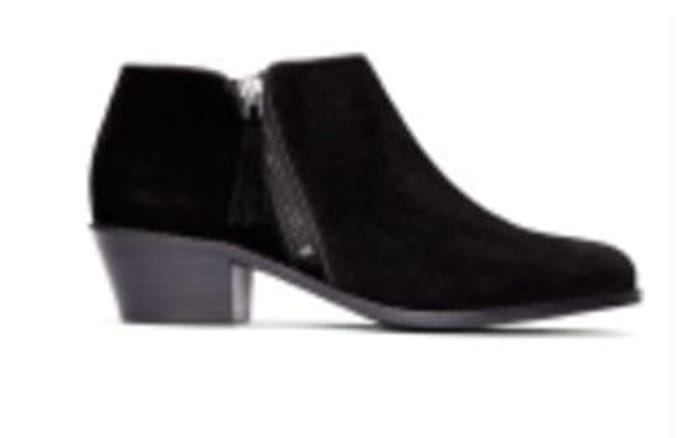 Win! A stylish pair of winter shoes at Now Magazine